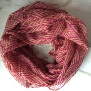 NEW infinity scarf diamond pattern pink beige
